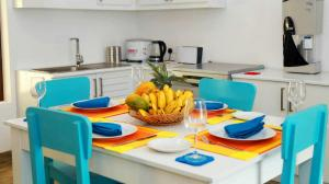 Thompson Manor (A Luxury Villa in Galle) Fully Equipped Kitchen (7)