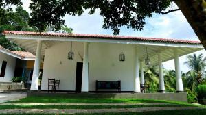 Thompson Manor (A Luxury Villa in Galle) Manor Styled (16)