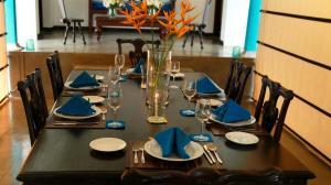 Thompson Manor (A Luxury Villa in Galle) Open Dining Area (10)